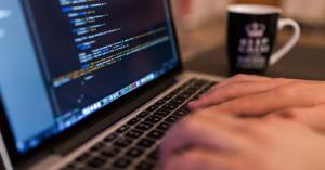 Hoe programmeervaardigheden te verbeteren met USENET